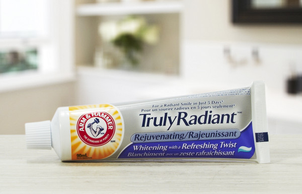 Truly Radiant™ Rejuvenating Toothpaste (3)